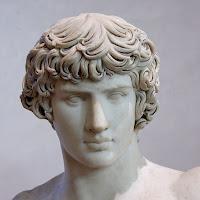 Busto de Antínoo de la Villa Adriana, en Tívoli. Actualmente en el Louvre.