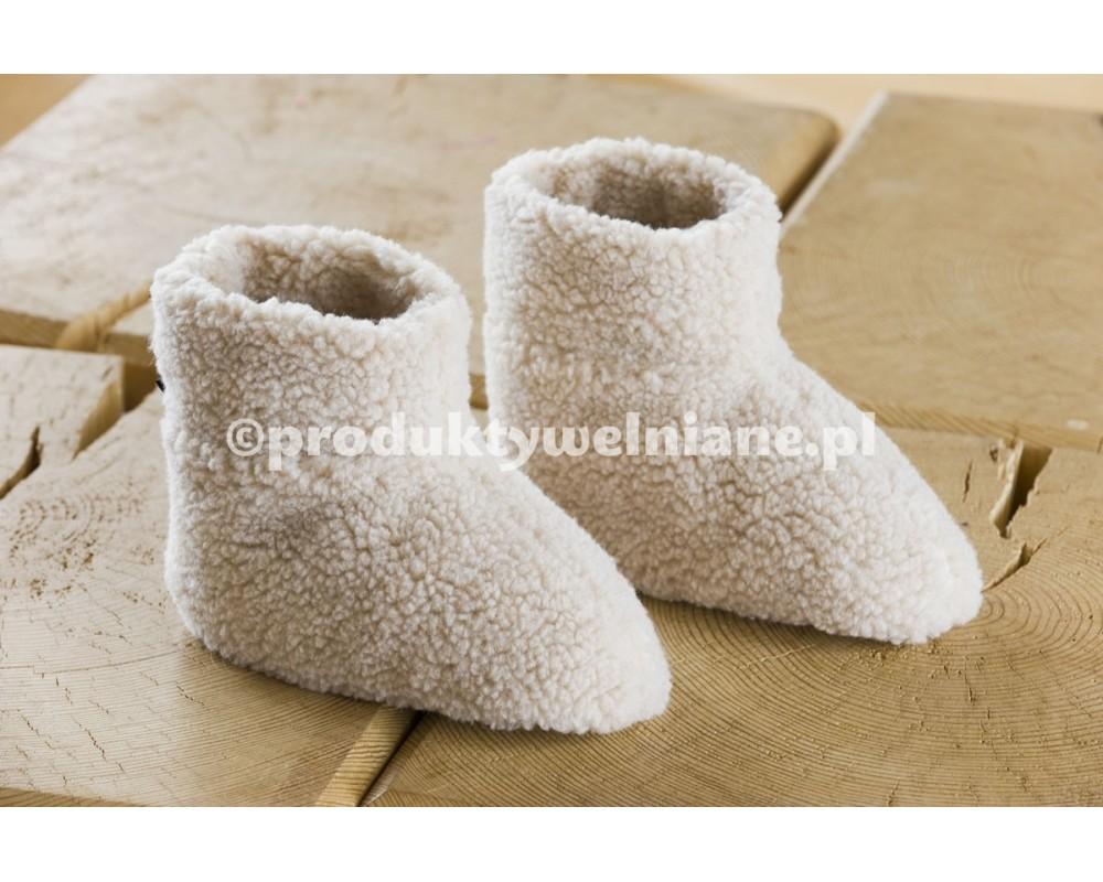 ac40b05e7362d BOTKI - buty z cholewką do kostki. Mogą być na płaskim/wysokim  obcasie/koturnie, zaokrąglone/do szpica, z wycięciem/bez wycięcia.