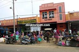Inilah Nuansa Tradisional Pasar Trangkil Pati