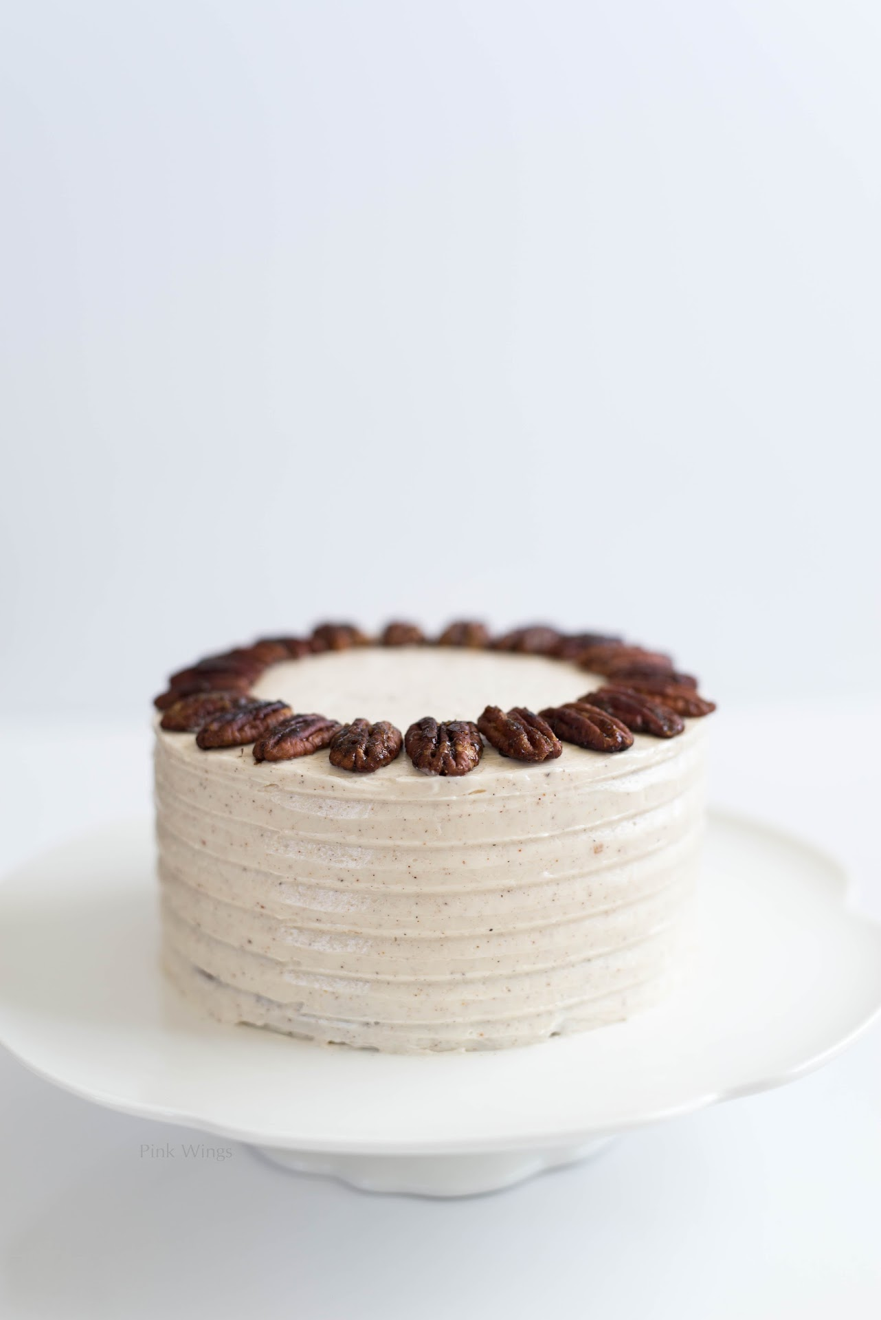 autumn fall dessert, mini cake, 6 inch cake, cinnamon nutmeg frosting, icing, spiced candied pecans