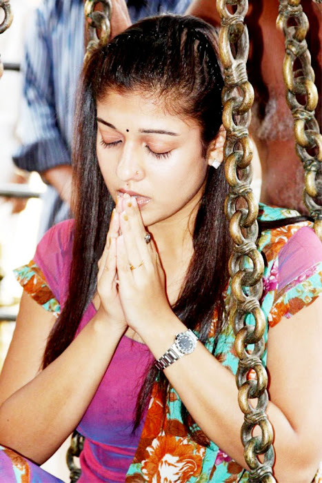 Nayantara at Chettikulangara Temple photos function pics