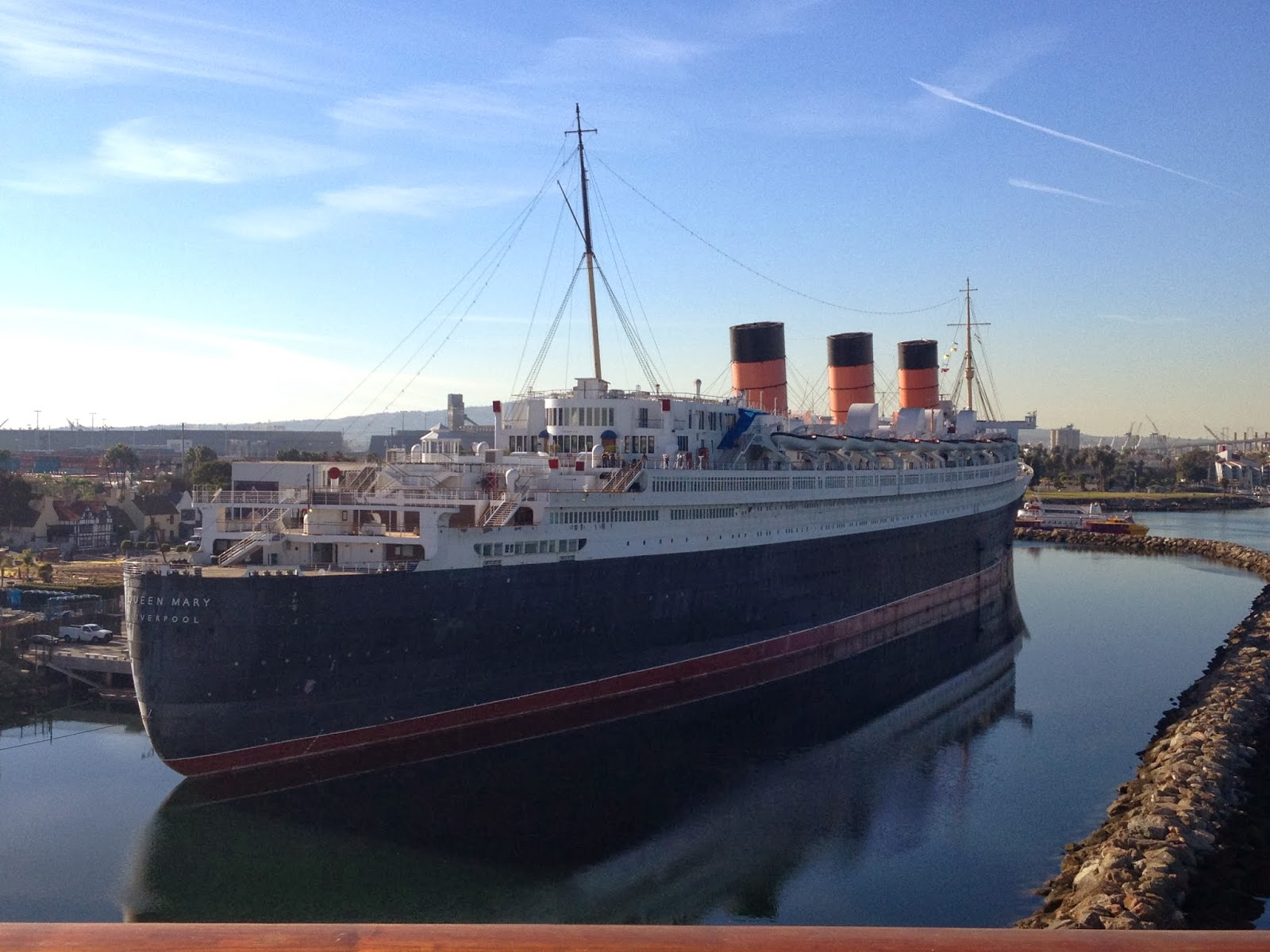 Rms queen mary pictures 8 Black and White Nail Art Designs With Pictures And Styling Tips