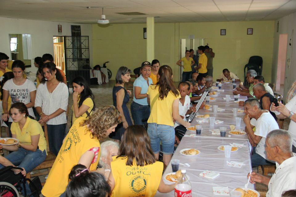 Club rotario vhsa olmeca interact olmeca visita al asilo for Asilos para ancianos