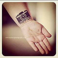 ♥ ♫ ♥ ove. i'm getting a camera tattoo just didn't know what i want, but i like this idea ♥ ♫ ♥