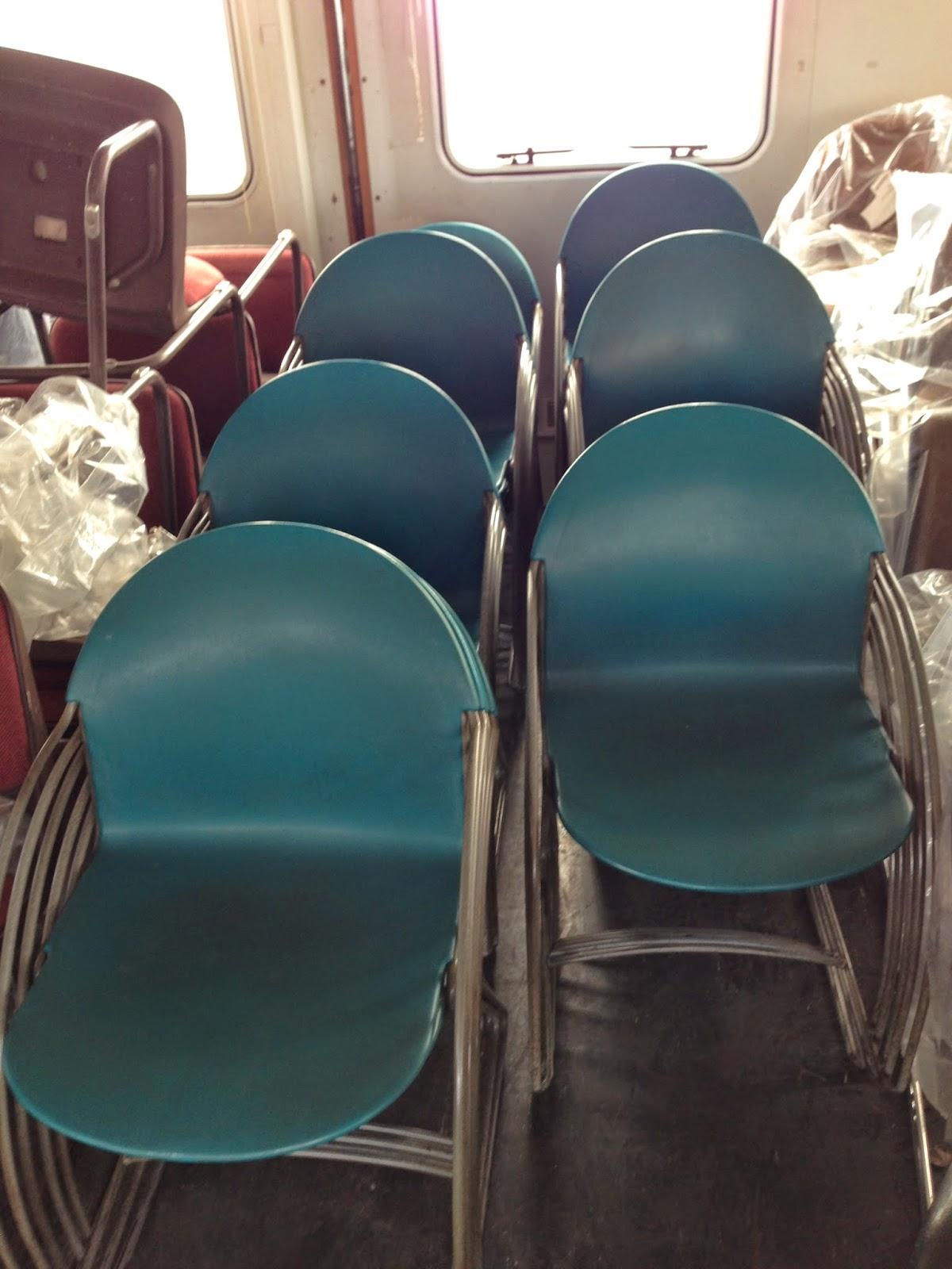 fosmat mat riels d 39 occasion t l 06 09 24 27 76 chaise coque rigide. Black Bedroom Furniture Sets. Home Design Ideas