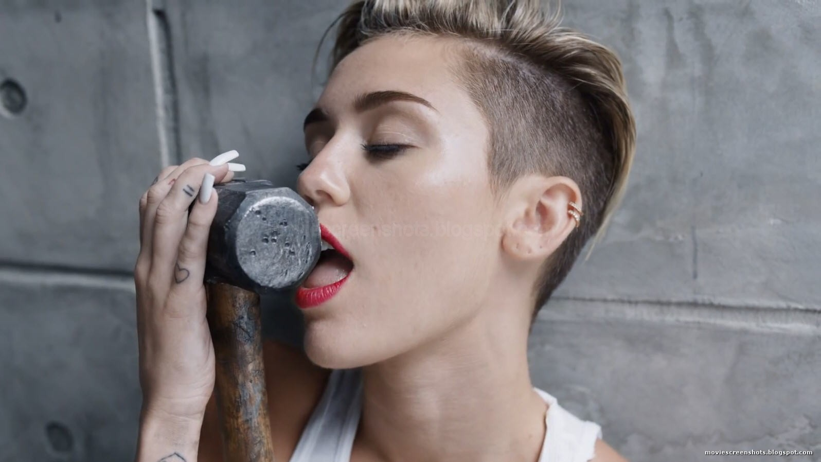 Miley cyrus wrecking ball porn edit