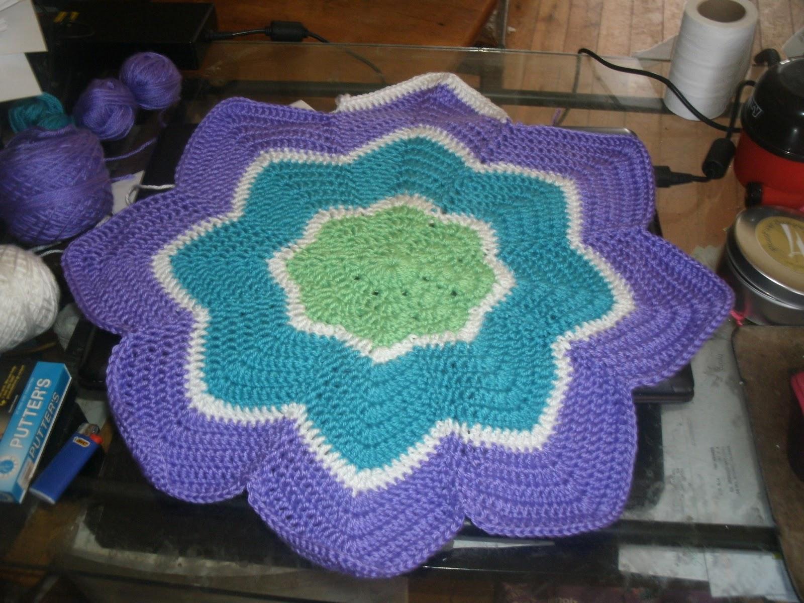 Pugmom\'s Knitting, Crocheting, Two & Four Legged Family: Owl Hat ...