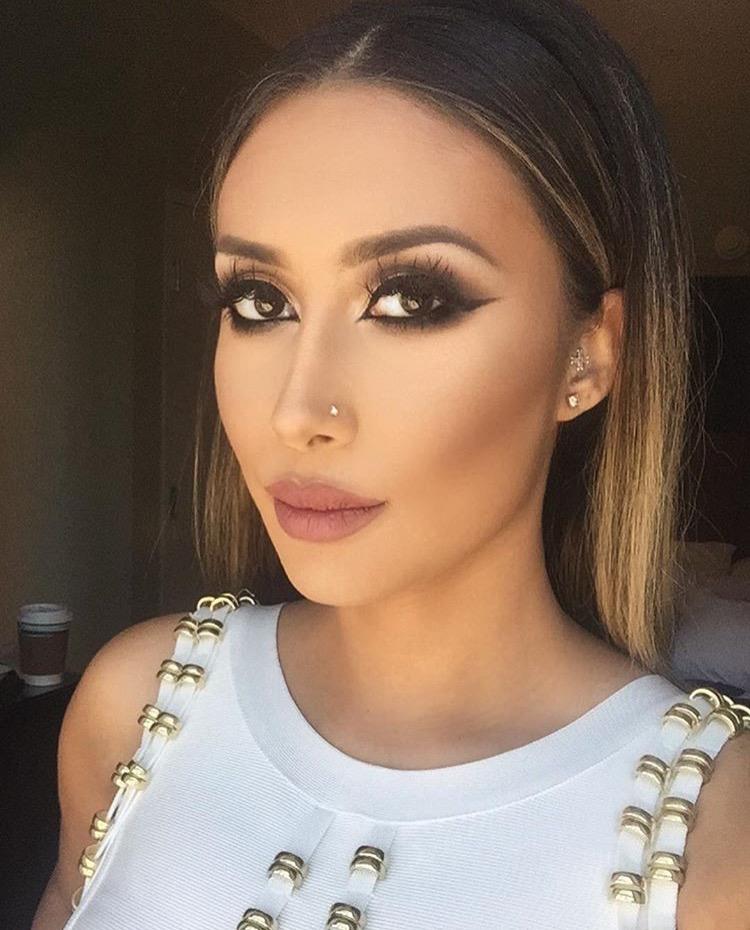 Tamanna Roashan: MakeUpIgBlog: Top 5 Beauty Snapchatters To Follow