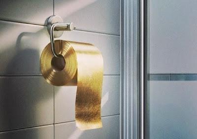 Χρυσό κωλόχαρτο 22 καρατιών κατασκεύασε εταιρία στην Αυστραλία