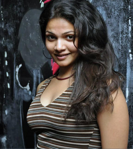 anuya spicy glamour  images