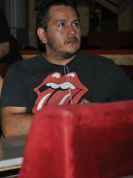 Julio Mediana Gimenes poeta.