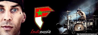 Lihat Travis Barker Indonesia