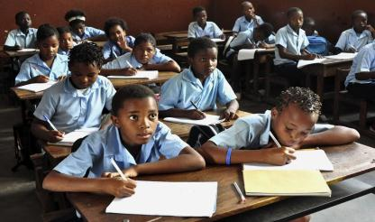 Moçambique: LÍNGUAS NATIVAS DEVEM SER VALORIZADAS - reitor Lourenço do Rosário