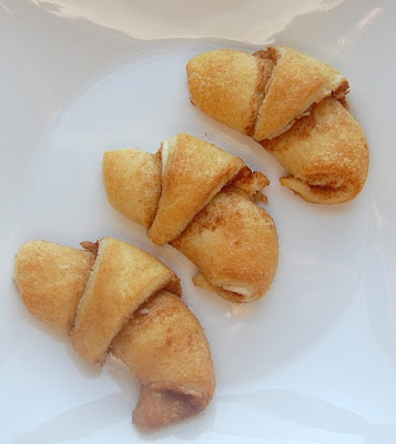 Cassie Craves: Cinnamon Cream Cheese Crescents