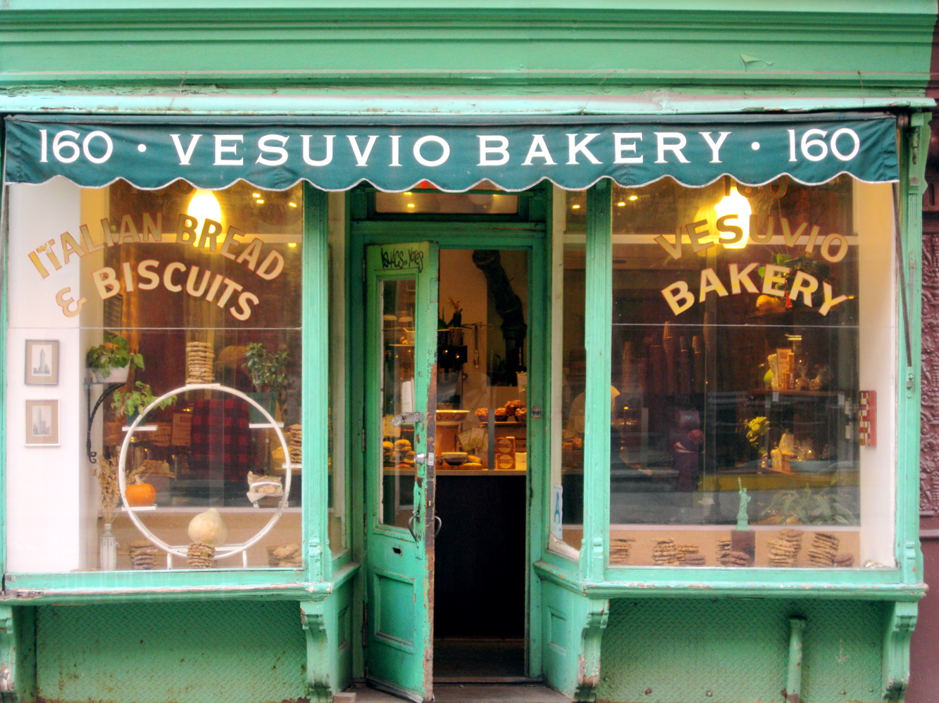 Vintage bakery causes stand gq for Classic house bakery