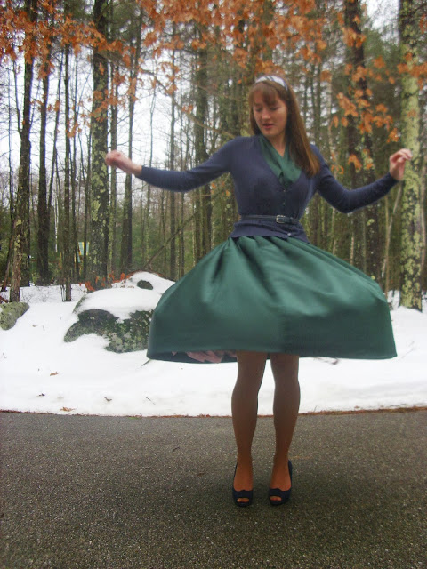 Christmas outfit green full skirt blue cardigan vintage headband ll Young Yankee Lady