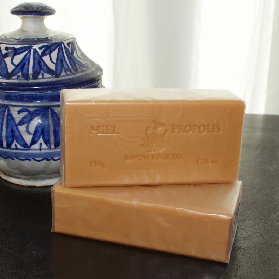 savon nourrissant et réparateur au miel et à la propolis