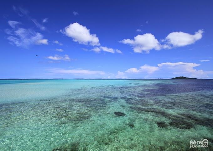 Miyakojima blue and Ogami island. / 噂の宮古島ブルーと大神島。