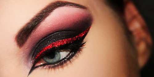 maquillaje en negro con eyeliner
