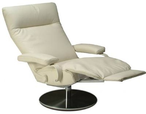 Eleve sus pies con estos modernos sillones reclinables for Sillon giratorio reclinable