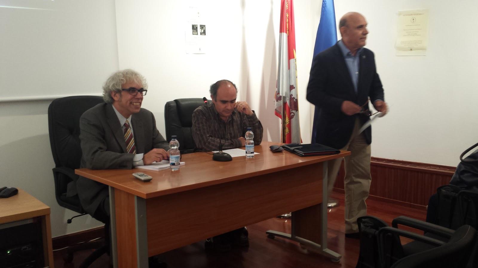 presentacionde la conferencia, Sanchez Paso, Oscar Ryvadeneira y Antonio Avilés Amat
