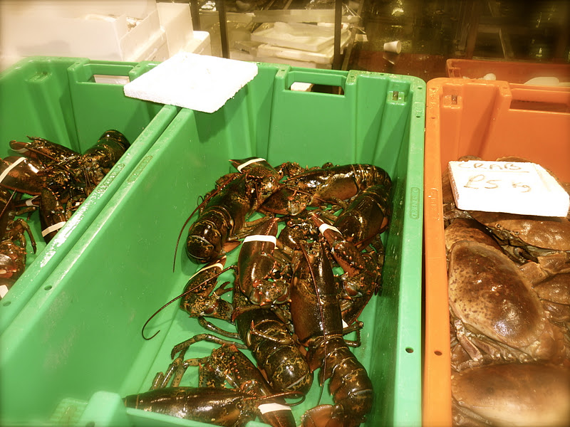 Helena Halme Author: New Year's Eve Morning at Billingsgate Fish Market in London