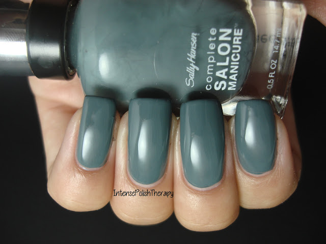 Sally Hansen - Bow To The Queen