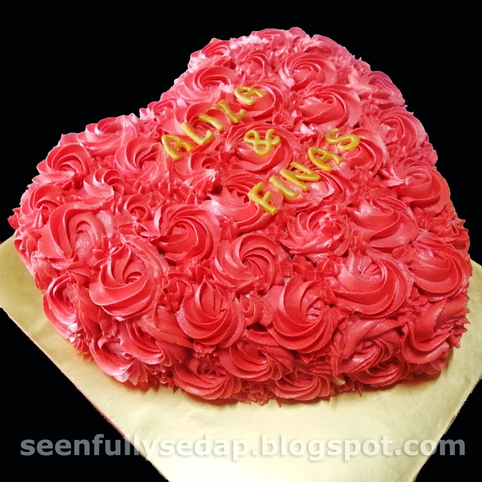 Seenfully sedap loved shaped cake loved shaped cake birthday izmirmasajfo
