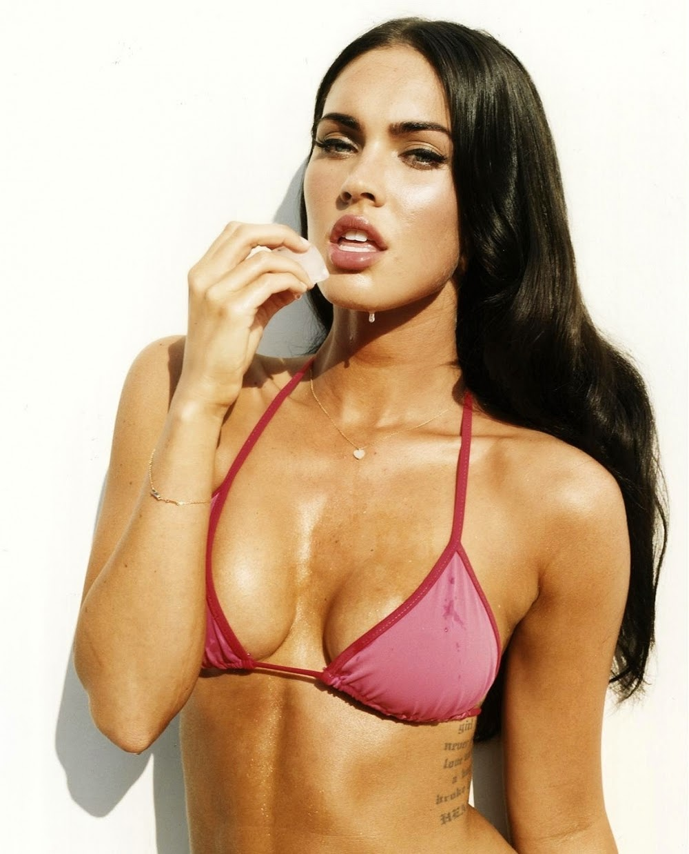LIKE AND SHARE: Megan Fox-Super Hot Beauty-Super Hot Unseen ...