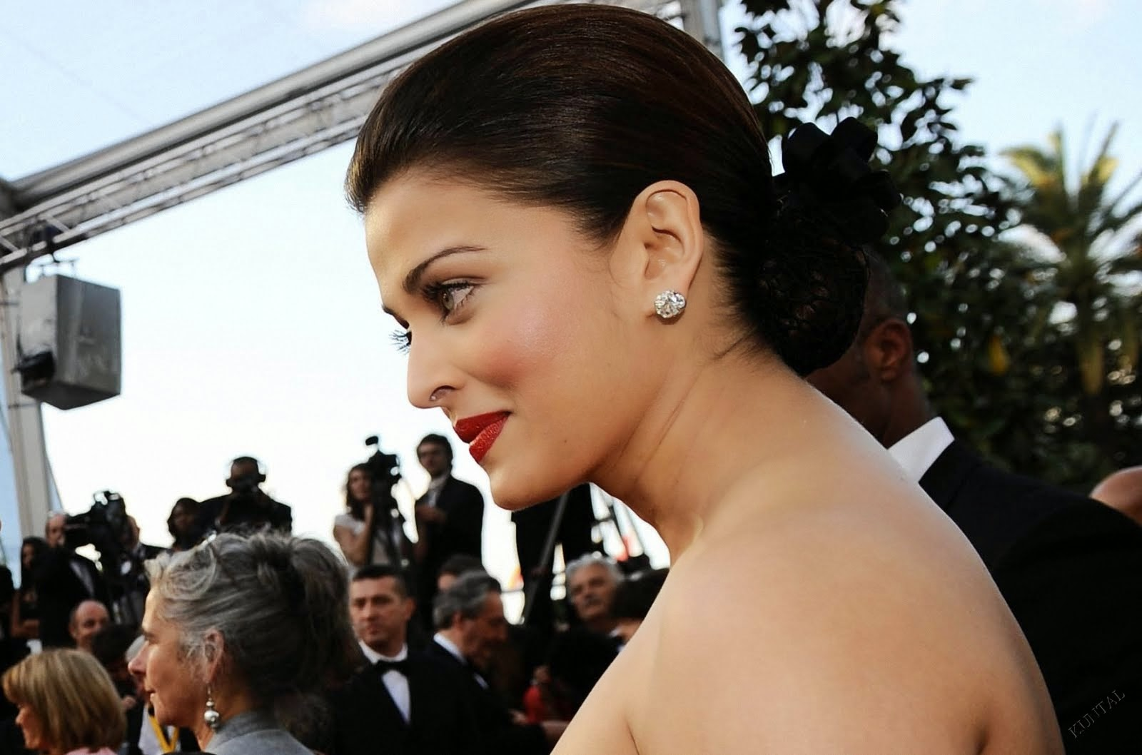 Aishwarya Rai Photos in Cannes