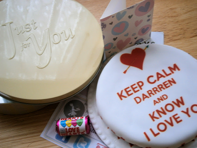 keep calm and carry on love heart cake design
