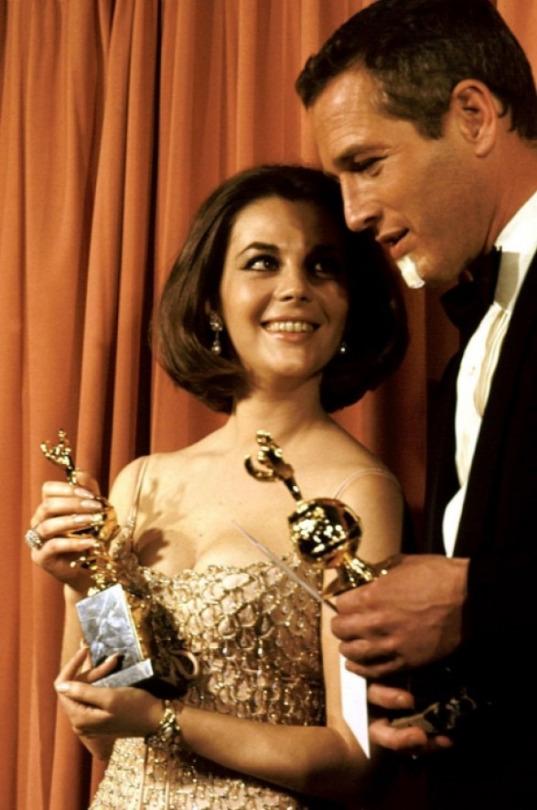 Con Paul Newman recibiendo el Globo de Oro, a la pareja favorita del mundo