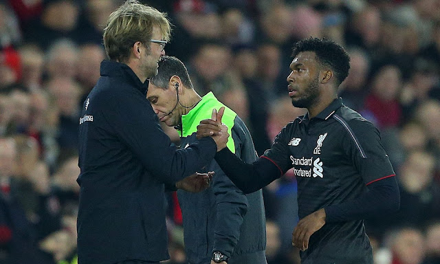 The Liverpool manager, Jürgen Klopp, congratulates Daniel Sturridge on his performance as the striker is substituted at Southampton. Photograph: BPI/Rex Shutterstock