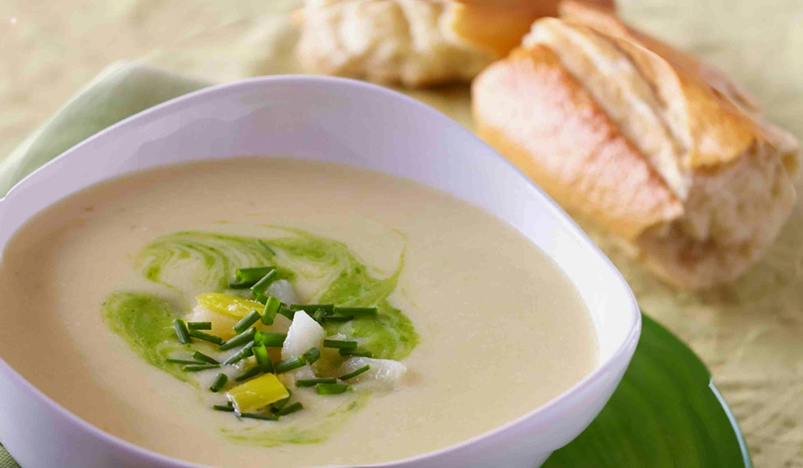 Culinary physics healthy vegan leek soup modern recipe - Contemporary cuisine recipes ...