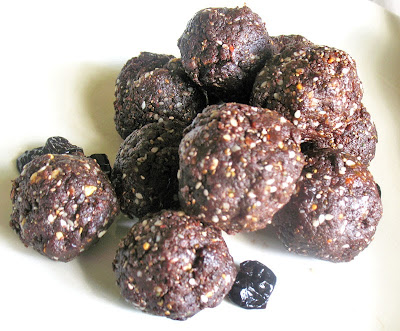 cocoa fruit protein bites