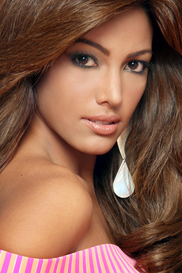 Elizabeth Mosquera profile,Elizabeth Mosquera biography,biography