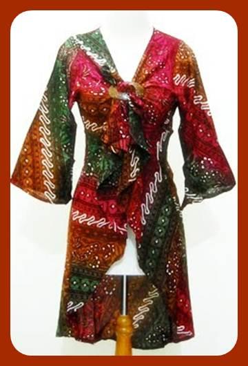 Contoh gambar model baju batik terbaru untuk wanita