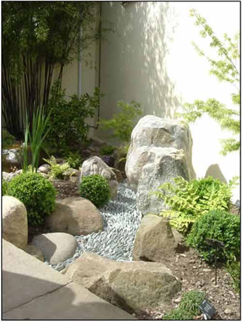 Japanese zen garden small lanscape for Small japanese garden designs