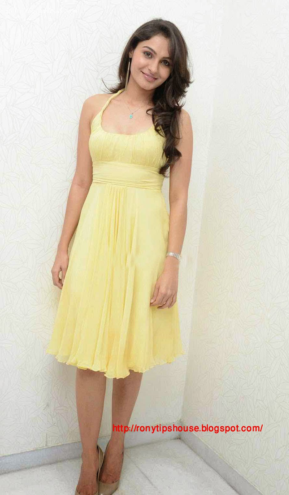 jeremiah hindu singles Andrea jeremiah (born 21 december 1984) is an indian actress, playback singer , musician  she composed, wrote and sang a single, soul of taramani, as a  promo for her tamil romantic-drama taramani she has composed several music .