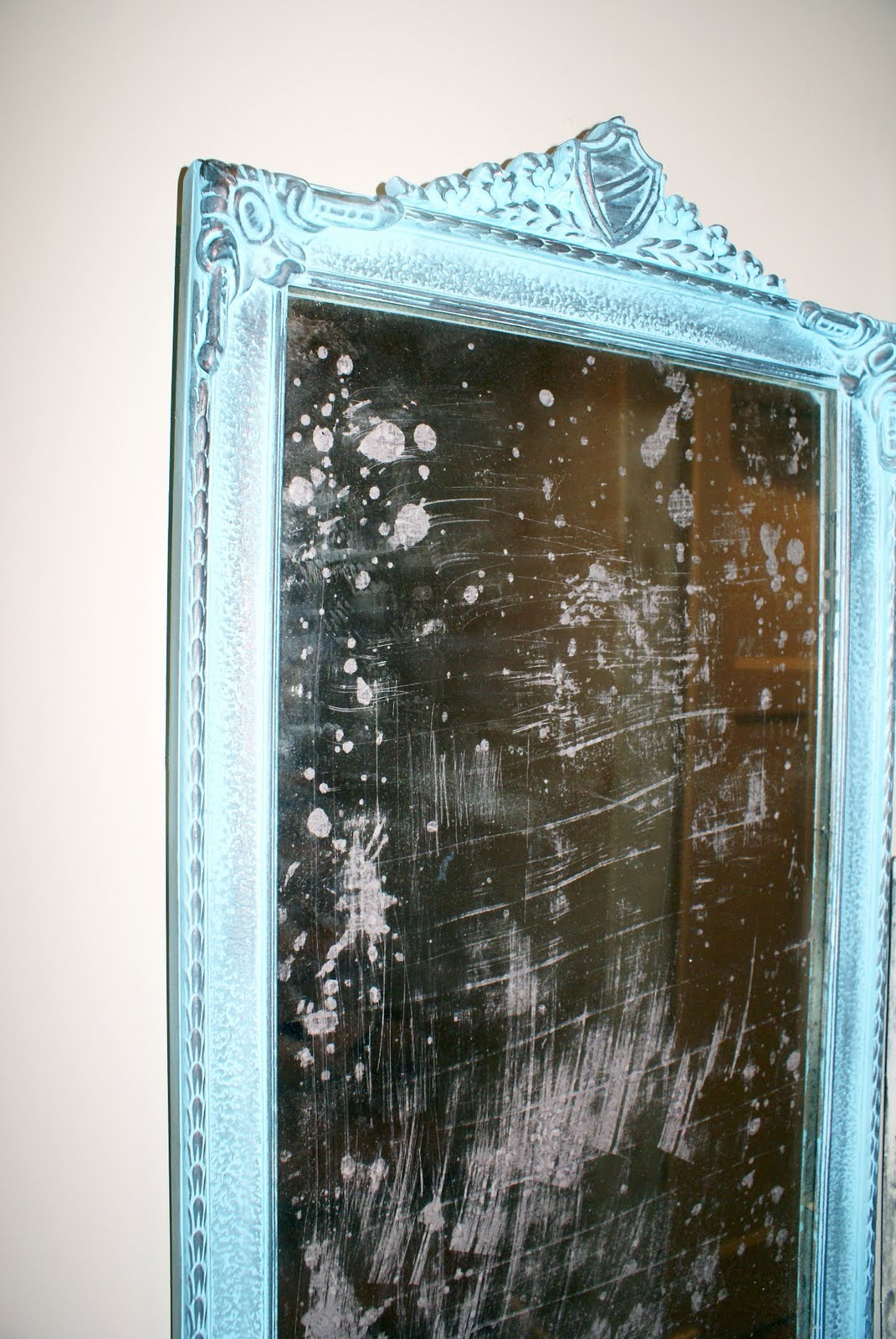 how to make a mirror look vintage