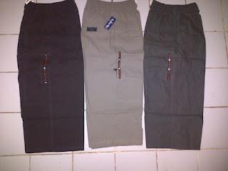 shalat-memakai-celana