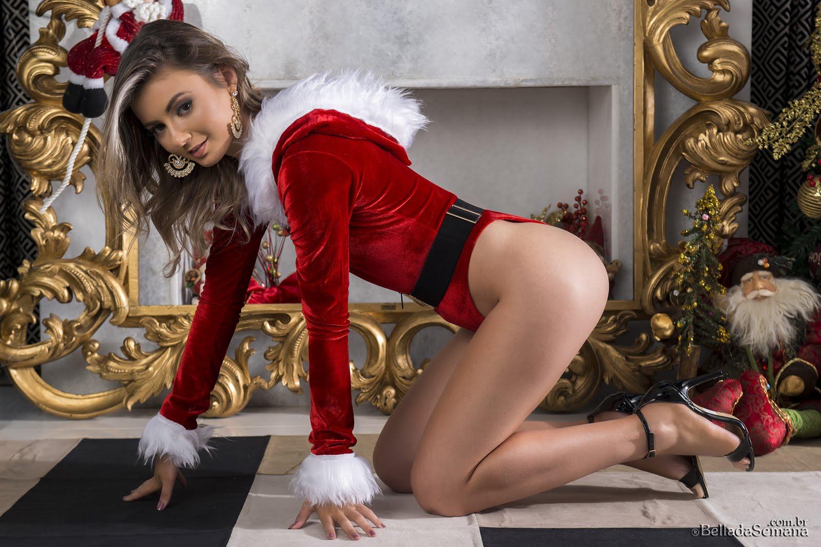 Bella da Semana lança ensaio especial de Natal