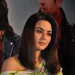 Preity Zinta Looks Sexy In Tight Jeans At Film 'Ishkq In Paris' Press Meet