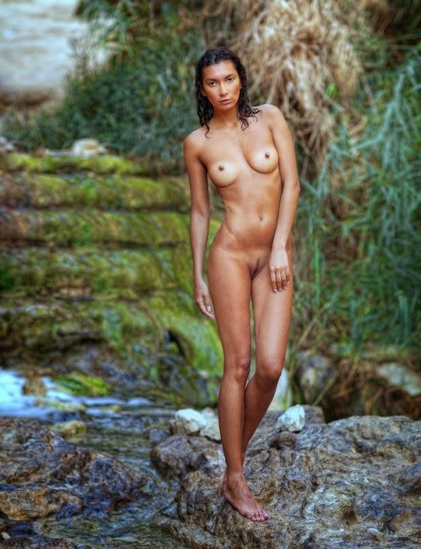 Zachar Rise fotografia mulheres modelos sensuais nudez molhadas água natureza erótica