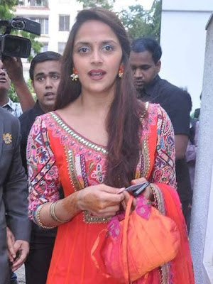 Ahana Deol at Esha-Bharat Mehendi Ceremony