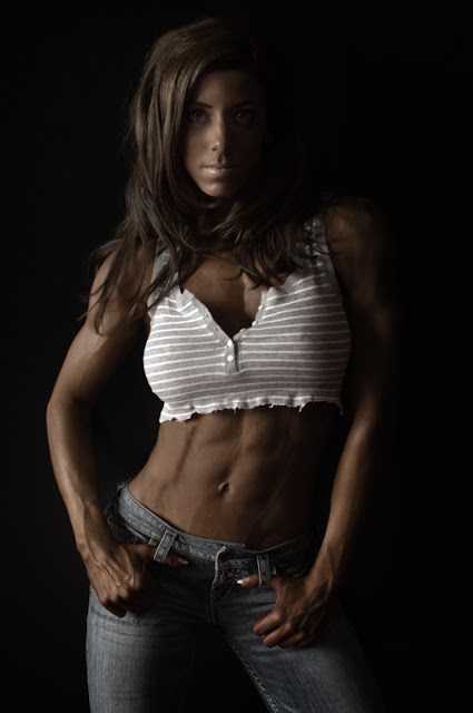 Julie Bonnett - WBFF Pro Fitness Model