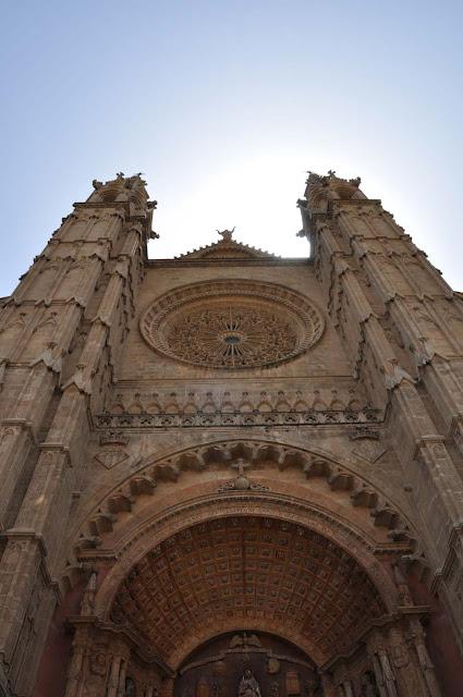 Green_Pear_Diaries_Palma_Mallorca_catedral_Alexandra-Proaño