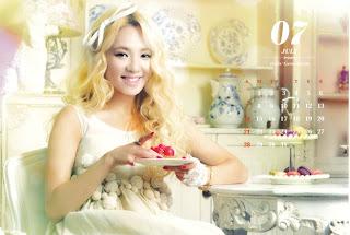 SNSD Hyoyeon Desk Calendar 2013 2