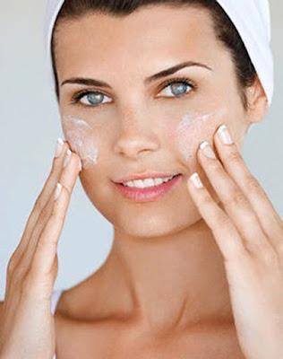 Como aplicar crema hidratante