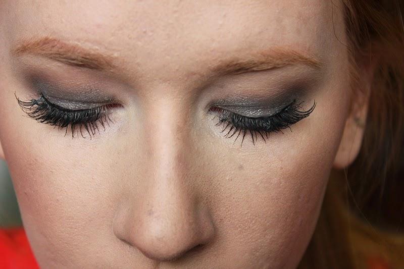 Cassie Dulworth Glamorous Silver Makeup Tutorial Urban Decay